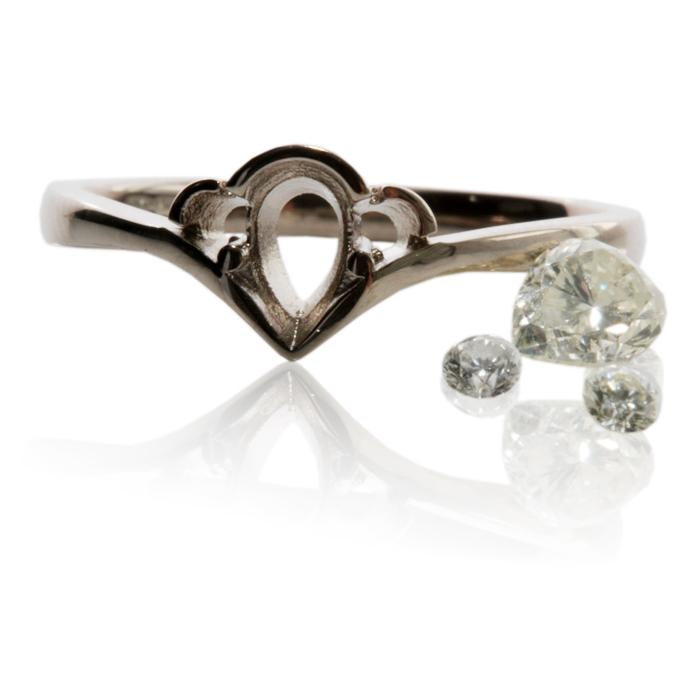 Engagement Rings Newcastle: Clusters – Bespoke Jewellery